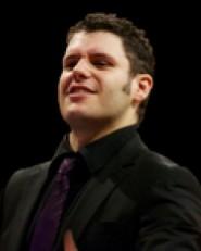 Marcio Da Silva conducts