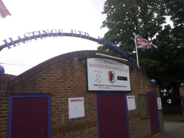 HUFC gates