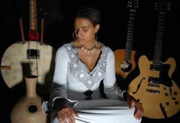 Sona Jobarteh - www.sonajobarteh.com