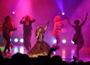 80s Mania Show plays Cyndi lauper