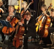 the Hastings Sinfonia with Jonathan Bruce on violincello