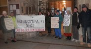 The planning committee meeting was accompanied by protests outside the town hall (Photo: CHD).