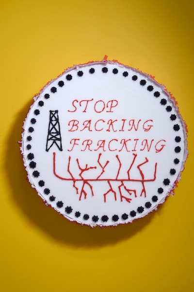 'Stop backing fracking' cake