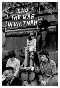 (c) Graham Keen - Joan Baez,Donovan Trafalgar Square 1965