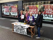 Hastings Supports Refugees in the town centre.