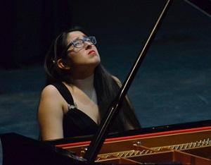 Priscila Navarro's pianissimo had our correspondent sobbing in her seat.
