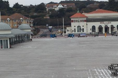 pier in snow 300