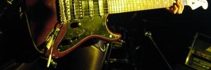 J guitar R