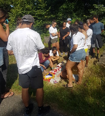 Honouring Matthew Makalua's grave in Hastings Cemetery (photo: HBC Communications).