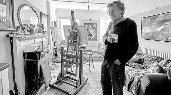 Portrait of Robin Holtom in his studio © Ian O'Leary