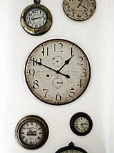 clocks-220pix