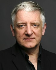 Simon Russell Beale takes part in Beloved Clara, a HIPCC fundraiser (photo: HIPCC).