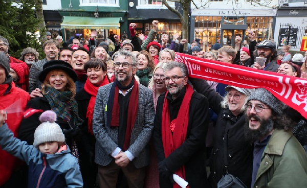 Steve Coogan with Labour's Peter Chowney in the town centre (photo: Alan Roberts Photography).