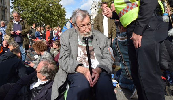 DAD'S COFFIN co directed and produced by Lisa Clifford and Cheryl White, is a documentary on the life of local Extinction Rebellion activist, John, who doesn't let his age stop him from sitting on the frontline.