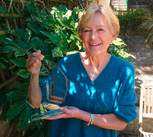Ruby Cox with her award from the Nicaraguan Embassy
