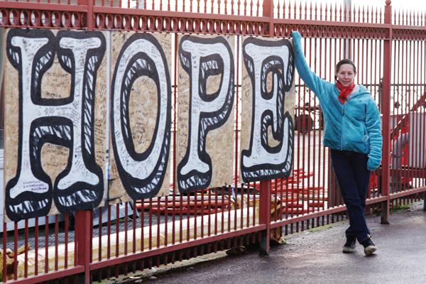 Sassie by the pier gates